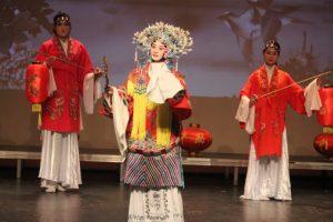 Danseuses accompagnatrices de l'Opéra de Pékin / Non-experienced dancers for Beijing opera Show